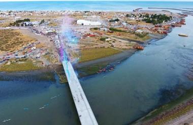 Al fin. El esperado nuevo puente en la capital tendrá hoy su habilitación al tránsito para todos los vecinos.