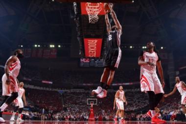 Los Spurs están arriba en la serie ante Houston por 2-1.