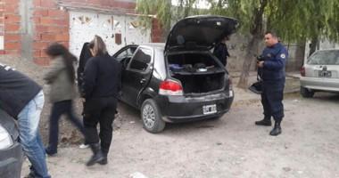 Personal de la Brigada de Investigaciones y de la Seccional Primera intervinieron en el secuestro del auto.