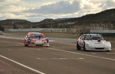 El automovilismo provincial disputará hoy las finales de la cuarta fecha en el autódromo Gral. San Martín.