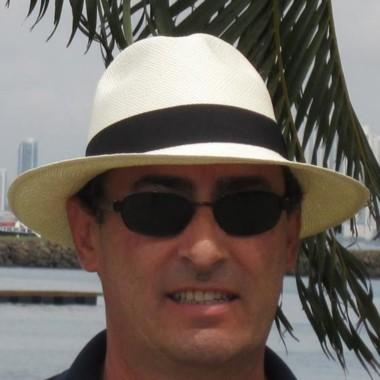 Lentes. El juez Tesi sigue sin resolver la usurpación en Playa Galesa.