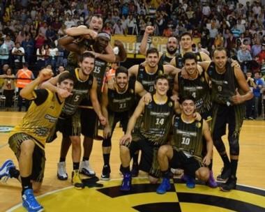 Comunicaciones hizo respetar la localía y sumó un tercer equipo para Corrientes en la LNB.