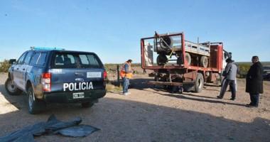 Personal de la División Ingeniería Vial Forense de la Policía Federal trabajó sobre el camión Fiat Iveco.