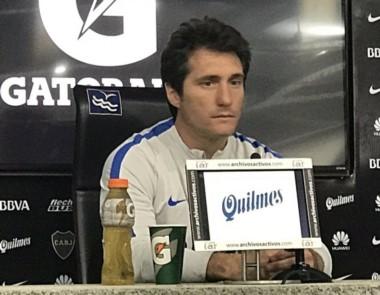 """Barros Schelotto: """"He tenido contacto con Tevez pero no tocamos el tema de su regreso a Boca"""". ."""