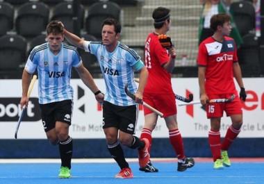 Con dos goles de Peillat, los Leones vencieron a Corea del Sur 2-1 en el arranque de las semis. Mañana, ante Malasia.