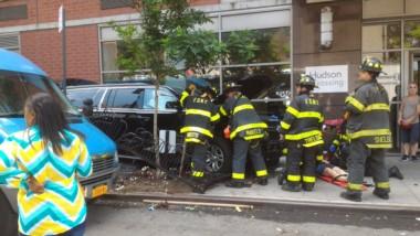 Al menos 10 heridos y 1 persona hospitalizada tras atropello de un vehículo en Manhattan.