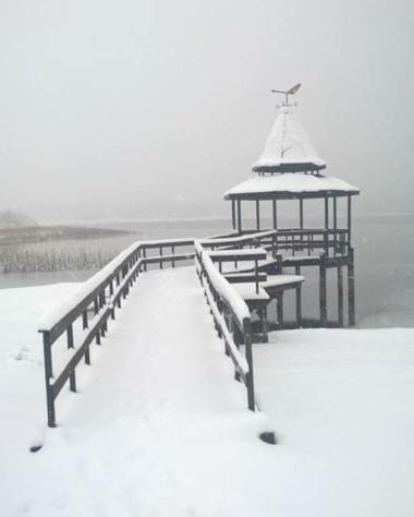Laguna La Zeta en Río Pico, cubierta por un gran manto de nieve. (Gentileza: Silvina Balboa).