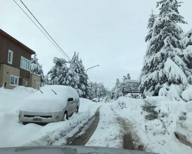 Tapado. La nieve dejó en muy malas condiciones para el tránsito en casi toda la cordillera chubutense.