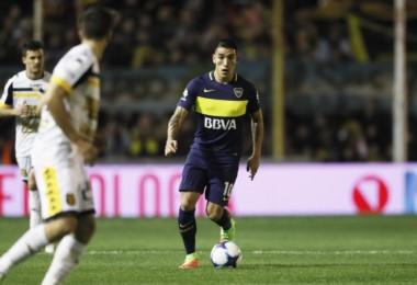 Angelici advirtió que evaluarán la continuidad de Centurión. El DT lo quiere y el deseo del propio jugador es continuar en Boca.