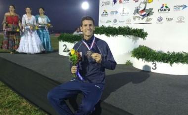 Chiaraviglio ganó el oro en salto con garrocha en el Sudamericano de Paraguay.