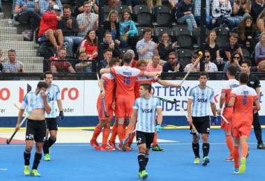Los Leones cayeron por goleada ante Holanda en la final de la Liga Mundial.