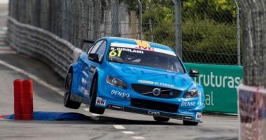 Girolami terminó 8º y 9º en las carreras del WTCC en Vila Real. Guerrieri abandonó en una y llegó 8º en la restante.