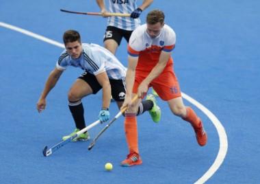 Los Leones sufrieron una dura goleada ante Holanda en la final de la Liga Mundial.