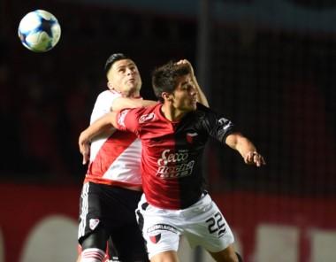 River empató sin goles en Santa Fe contra Colón y finalizó segundo.