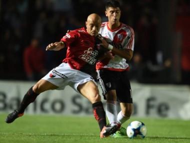 Los de Domínguez jugarán Sudamericana. Los de Gallardo terminaron segundos y van a la Libertadores.