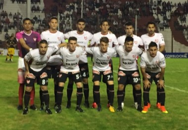 Instituto perdió la oportunidad de clavarse en el 4to lugar y cayó en Córdoba por 2 a 0 ante Flandria.