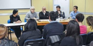 Con una muy buena concurrencia, la charla debate permitió conocer y escuchar diferentes opiniones.