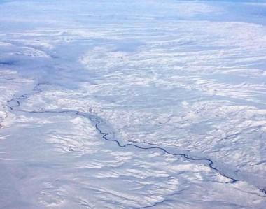 Todo blanco. Una postal de la meseta chubutense cubierta de nieve tras el temporal de los últimos días. (foto instagram cthomasrw)