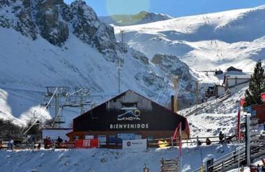 A pleno. Las 30 pistas que tiene el Centro de Alta Montaña ya esperan por los turistas en La Hoya.