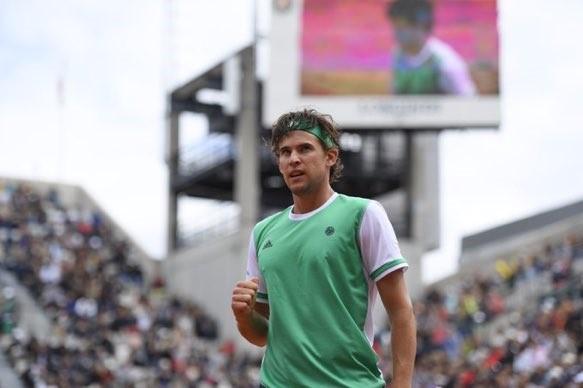 Thiem no es casualidad. El austriaco barre al campeón de Roland Garros y se cita en semis con Nadal.