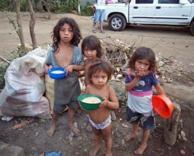 """""""En mi país, la pobreza, qué tristeza...""""."""