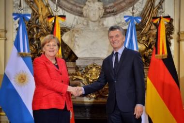 """Junto a Merkel, Macri volvió a criticar la gestión K: """"El aislamiento no funcionó: lo único que hizo fue profundizar la pobreza""""."""