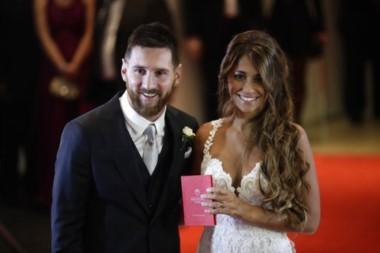 Messi se casó con su novia de toda la vida, Antonella Roccuzzo.