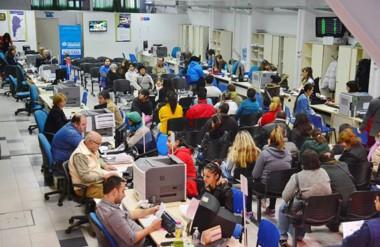 Las oficinas de Anses siguen recibiendo a la gente y el avance con el programa está en un 50 por ciento.