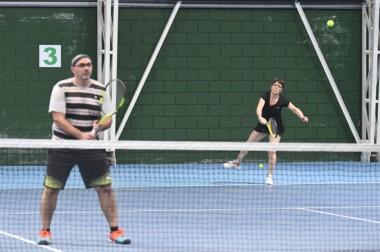 """Larrañaga y Ritchie fueron los flamantes ganadores de la categoría Mixto """"B"""" en el Torneo de Invierno."""