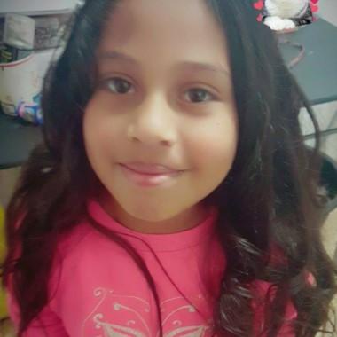 Naiara Abigail Briones, tenía 8 años. La pequeña soportó un castigo de más de 12 horas antes de morir. El asesino había dicho que se cayó de una escalera.