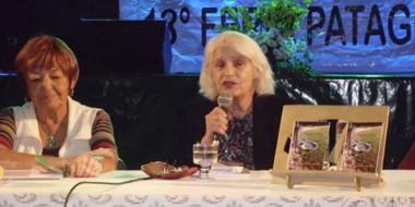 """Etherline Mikëska presentó """"Pupilas voraces"""" en la Feria del Libro de Gaiman."""
