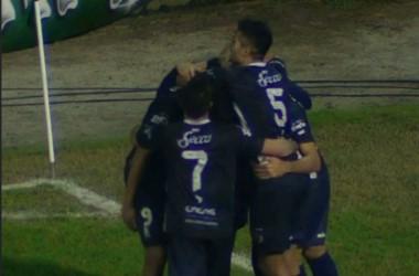 Tito Ramírez convirtió su tercer gol en Brown, todos importantes.