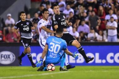 No se sacaron ventajas en el partido de ida Nacional y Olimpia, ambos de Paraguay.