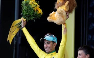Aru, tercero en la 1ra etapa de los Pirineos tras Bardet y Urán, nuevo líder con seis segundos de ventaja sobre Froome.