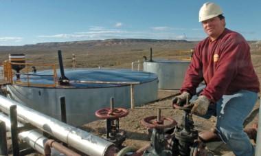 En crisis. El escenario hidrocarburífero sigue muy complicado para Chubut y por eso la decisión de PAE generó varios elogios de Fontana 50.
