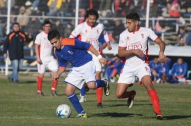 En el Municipal de Comodoro, la CAI y Huracán abrieron la Zona Patagónica Centro con un empate sin goles.l