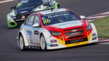 Esteban Guerrieri se destacó en la presentación del FIA WTCC en Termas de Río Hondo con un 3º y un 4º puesto.
