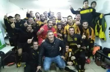 Mitre ganó por penales y ascendió a la B Nacional tras 110 años de historia.