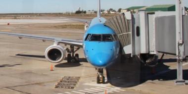 Manga sí, manga no. En el Aeropuerto de Trelew siguen los desacoples para poder proteger a los pasajeros.