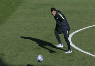 La imagen que esperó Guillermo durante las últimas semanas: Paolo Goltz se sumó a los entrenamientos de Boca.