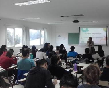 En total hubo 25 participantes en el curso.