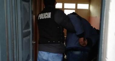 El presunto autor del ataque con un arma blanca fue llevado por la Policía  en calidad de detenido.