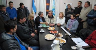 Cumbre. Los equipos municipales y provinciales se juntaron en el despacho para acordar varios temas.