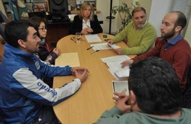 La intendente Rossana Artero les comunicó a los directivos sobre el otorgamiento de tierras.