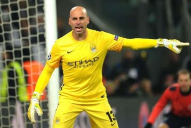 Caballero seguirá su carrera en el fútbol de Inglaterra.