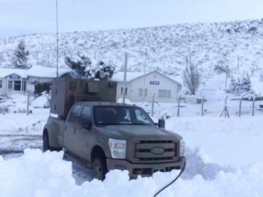 El Ejército argentino y Gendarmería fueron las fuerzas que colaboraron con la población cordillerana en la última gran nevada de días atrás.