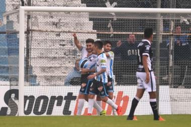 Con gol de Acosta, Almagro derrotó a All Boys por 1 a 0.