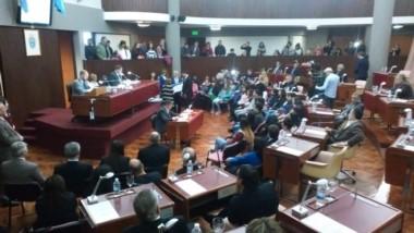 Diputados entregan reconocimientos a estudiantes destacados (foto prensalegisch)