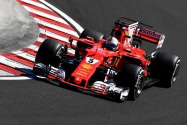 Gran pole de Vettel con récord de circuito! 1-2 de Ferrari, bien por delante de los Mercedes y Red Bull.