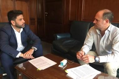 El ministro  Pablo Mamet firmó un convenio con Nación para el  manejo de bosques nativos.